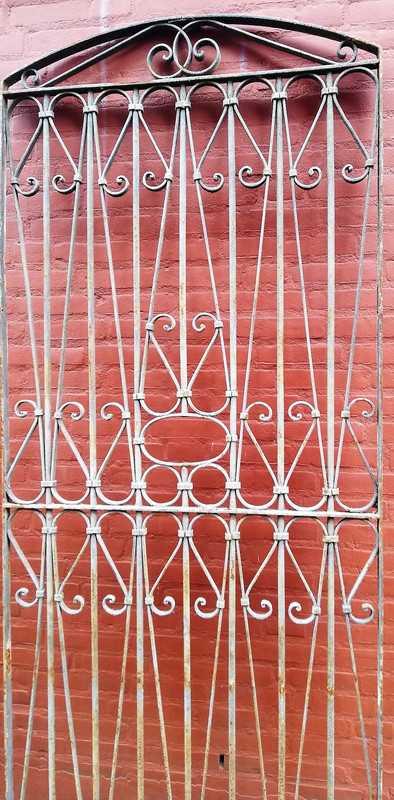 Antique ornamental fence-2