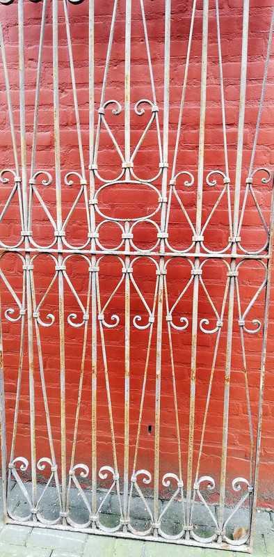 Antique ornamental fence-3