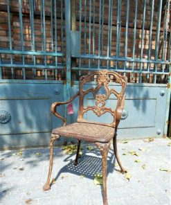Cast iron chair-1