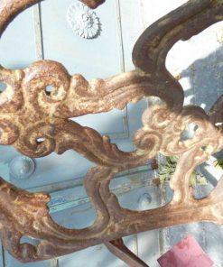 Gusseiserner Stuhl-4