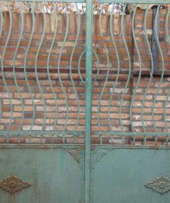 Schmiedeeisernes Tor mit Säulen-3