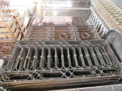 Antique wrought iron balcony fence-4