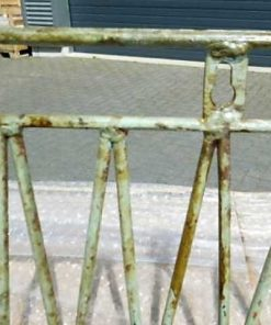 Antike eiserne Hängepflanzenregale / -behälter-5
