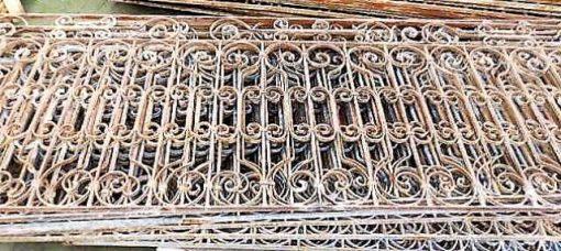 Antieke smeedijzeren balkon hekwerk ca 95 cm hoog-1