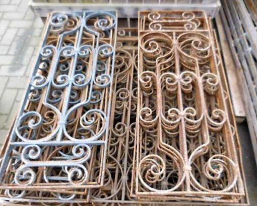 Antieke smeedijzeren balkon hekwerk ca 95 cm hoog-2