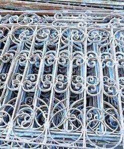 Antieke smeedijzeren balkon hekwerk ca 95 cm hoog-3