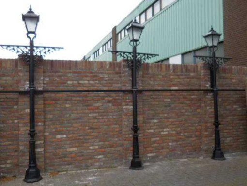 Black cast iron lampposts-1