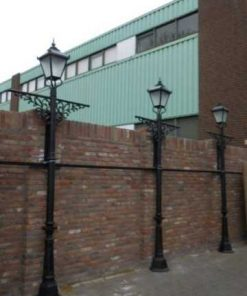 Black cast iron lampposts-2