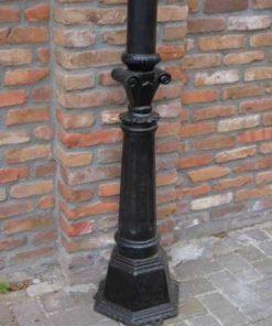 Black cast iron lampposts-3
