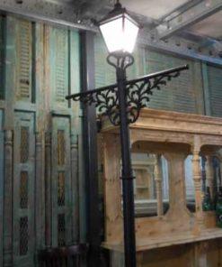 Black cast iron lampposts-5