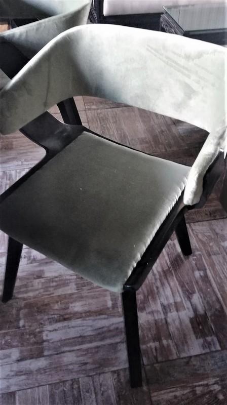 Antike Esszimmerstühle-3