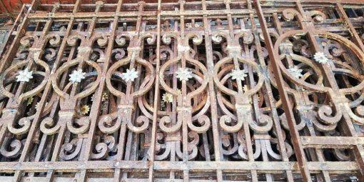 Antique fence-3
