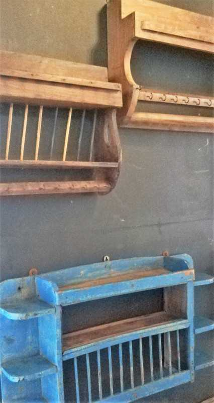 Vintage wooden kitchen racks-2