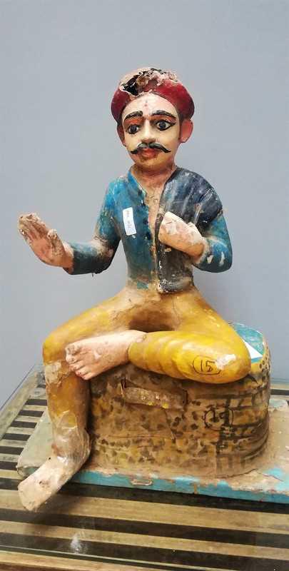 Alte indische Statue-1