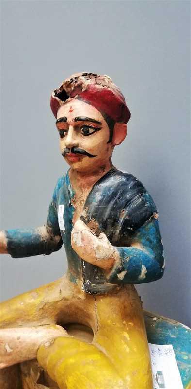 Alte indische Statue-2