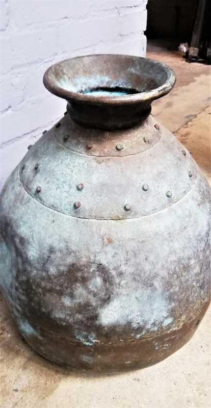 Antieke bronzen potten / kruiken-4