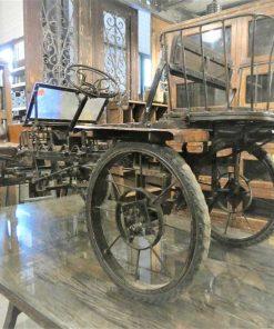 Antique staircase car-2