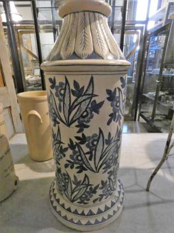 Old blue and white vase-3