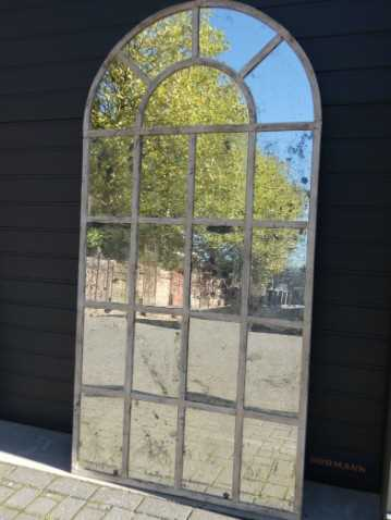 Cream-coloured stable window mirrors-2