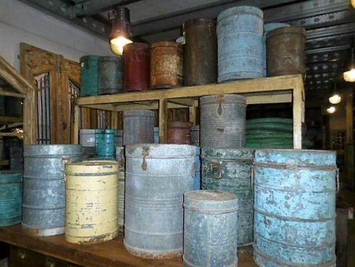 Vintage barrels with lid-1