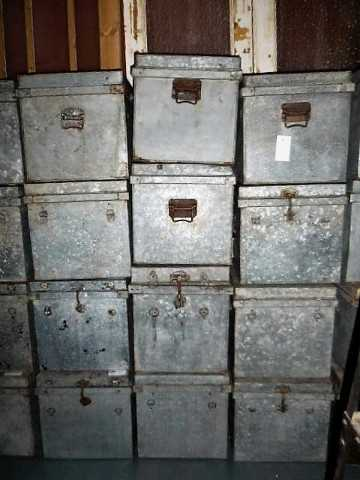 Vintage zinc containers with lid-1