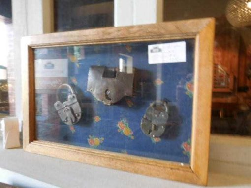 Small decorative display cases-3