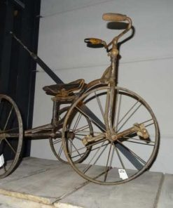 Antique children's tricycle-2