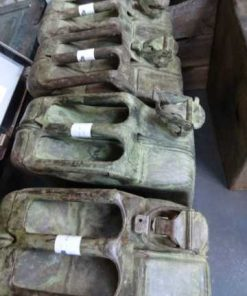 Old jerrycans-3