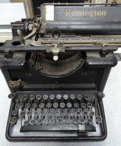 Antique typewriter-1