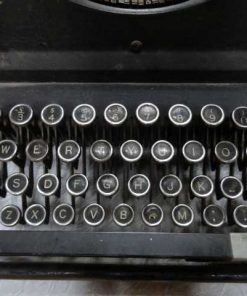 Antique typewriter-2