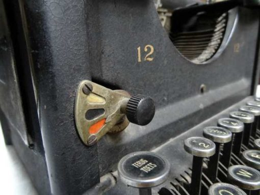 Antique typewriter-3