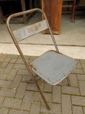 Opklapbare metalen stoeltjes-1