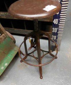 Der höhenverstellbar Vintage Hocker-2