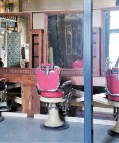 Antieke barbier / kappers kast ca 565 cm lang-1