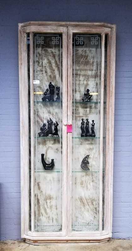 Vintage shallow display case-1