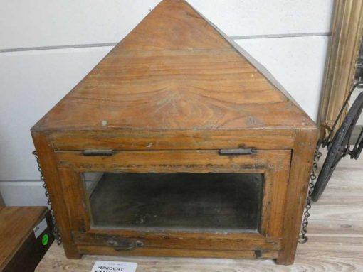 Antieke vitrine kastje met hangketting.-1