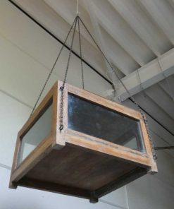 Antieke vitrine kastje met hangketting.-4