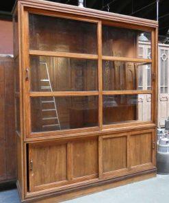 Antieke vitrine kast van hxb 225x195 cm-2