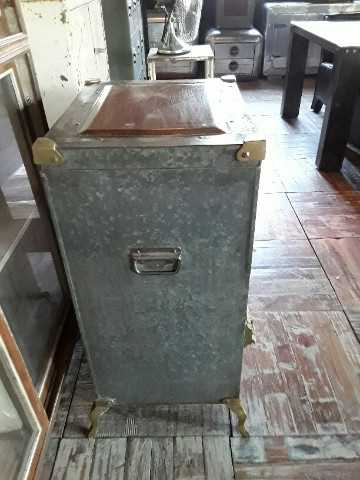 Antique fridge-3