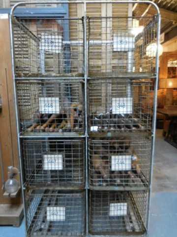 Vintage industriële kast / rek met laden van metaal-1
