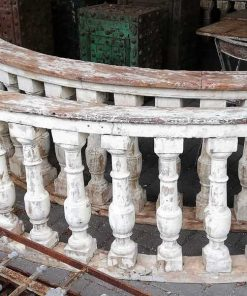 Oude half ronde houten balustrade-2