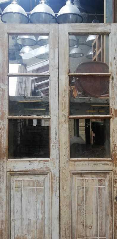 Antike Doppeltüren mit Glas-2