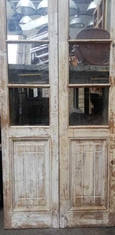 Antike Doppeltüren mit Glas-3