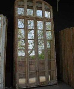 Groot antiek raam met spiegels-1