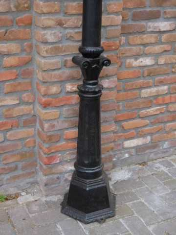 Black cast iron lantern poles-3