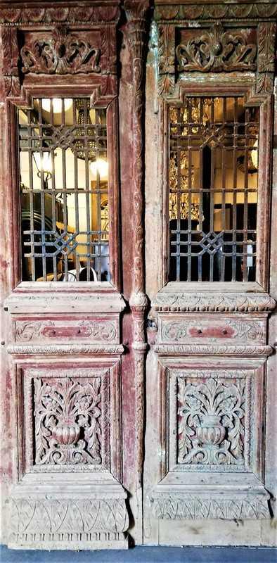 Antieke bewerkte Franse deuren in kozijn-1