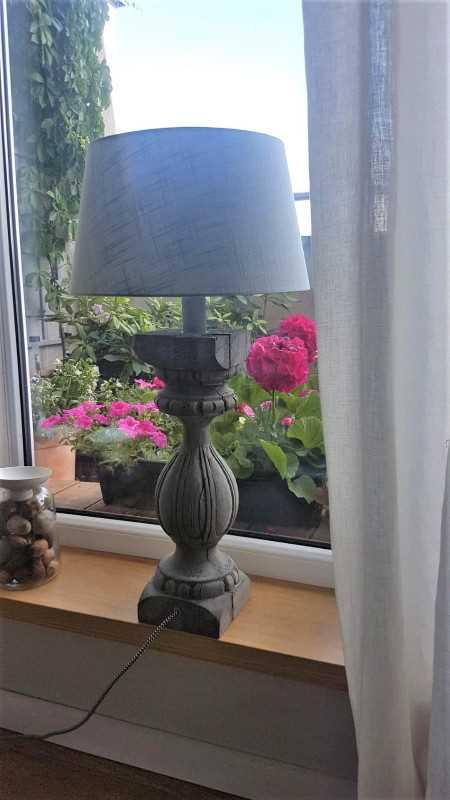 Baluster / zuil als voet voor lamp-1