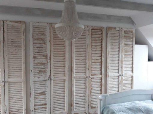 Inbouwkast in slaapkamer van antieke louvre luiken / shutters-2