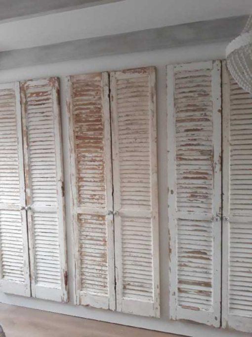 Einbauschrank im Schlafzimmer mit antiken Jalousien / Rollläden-3