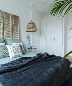 Antique shutters as bed wallboard-1